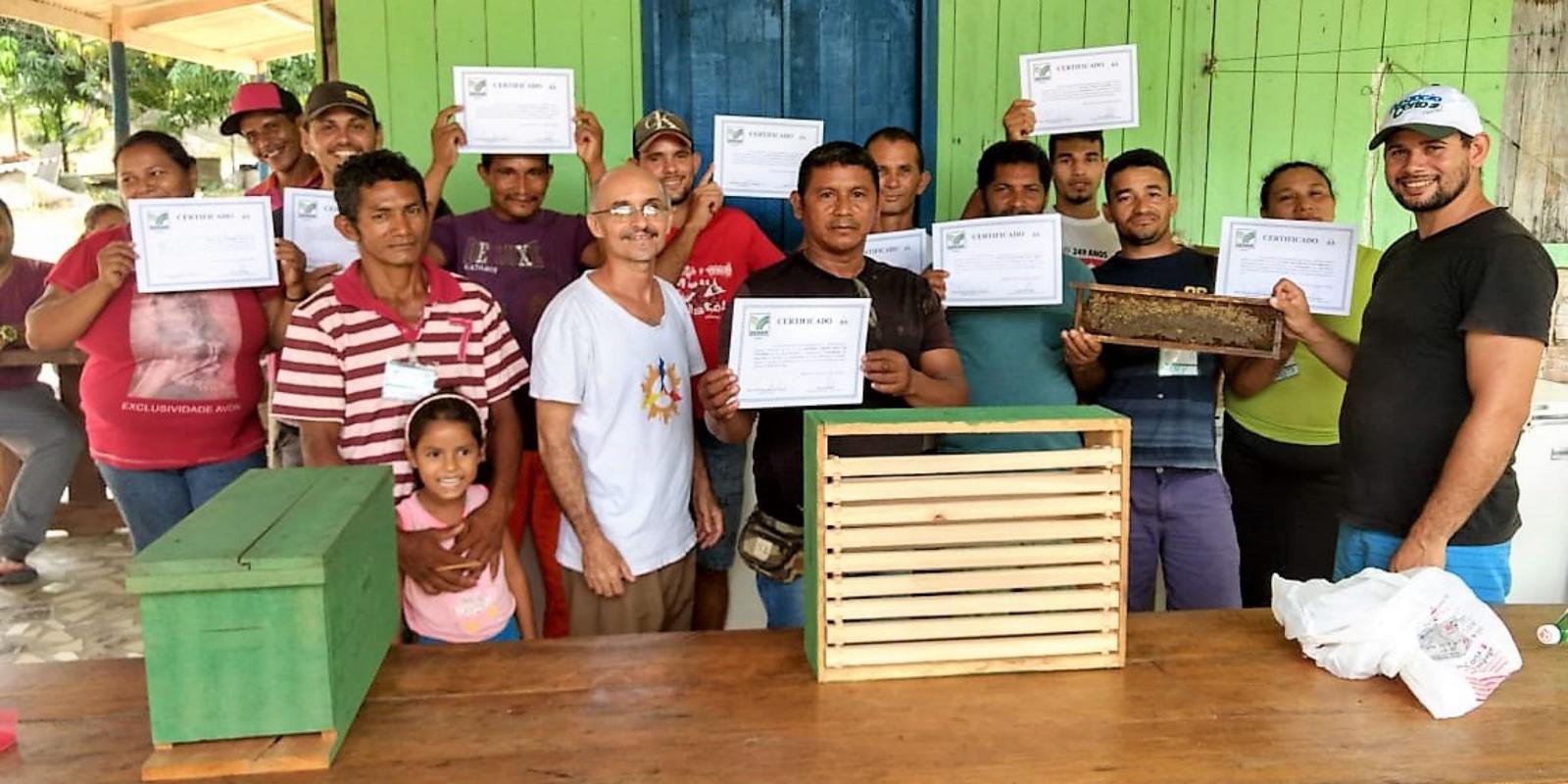 SENAR-AP encerra curso sobre apicultura no município de Itaubal